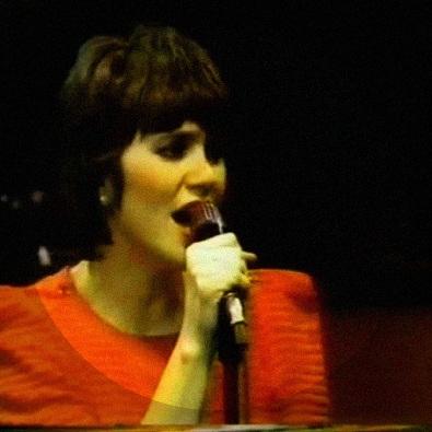 Linda Ronstandt - I Can't Let Go - Hollywood Studio 1980